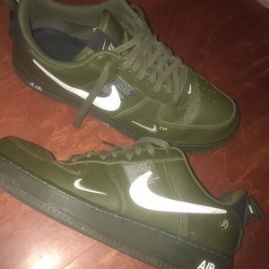 Air Force 1 LV8 Utility GS 'Overbranding